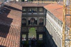 Η στοά Uffizi σε μια ηλιόλουστη ημέρα Άποψη από Palazzo Vecchio Φλωρεντία Ιταλία Τοσκάνη Στοκ φωτογραφία με δικαίωμα ελεύθερης χρήσης