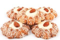 Η στοίβα των μπισκότων με τα αμύγδαλα Στοκ φωτογραφία με δικαίωμα ελεύθερης χρήσης