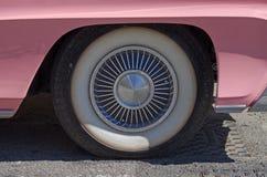 η συγκομιδή αυτοκινήτων ανασκόπησης περιέλαβε εύκολα έξω το ροζ μονοπατιών στο διάνυσμα Στοκ Φωτογραφίες