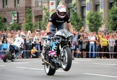 Η συνάντηση ποδηλατών και παρουσιάζει την ημέρα πόλεων του Κίεβου Στοκ Εικόνα