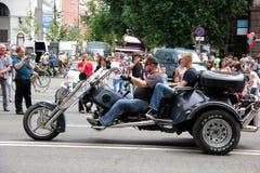 Η συνάντηση ποδηλατών και παρουσιάζει την ημέρα πόλεων του Κίεβου Στοκ εικόνες με δικαίωμα ελεύθερης χρήσης