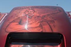 Η συνήθεια GMC Yukon που χρωματίζεται γύρο στην επίδειξη κατά τη διάρκεια του ΑΝΤΙΓΡΆΦΟΥ παρουσιάζει στοκ φωτογραφίες