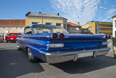 Η συνεδρίαση των αυτοκινήτων AM μέσα (1960 Pontiac bonneville) Στοκ Φωτογραφίες