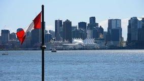 Η συνηθισμένη στο κέντρο της πόλης άποψη του Βανκούβερ από το βόρειο Βανκούβερ αποβαθρών Lonsdale ver 2 φιλμ μικρού μήκους