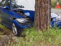 η συντριβή σύγκρουσης αυτοκινήτων αυτοκινήτων μεγάλη έχει παγωμένη την εθνική οδός ταχύτητα Στοκ φωτογραφία με δικαίωμα ελεύθερης χρήσης