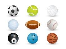 Η συλλογή των αθλητικών σφαιρών απομονώνει στο άσπρο υπόβαθρο στοκ φωτογραφία με δικαίωμα ελεύθερης χρήσης