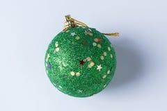 Η σφαίρα Χριστουγέννων Στοκ φωτογραφία με δικαίωμα ελεύθερης χρήσης