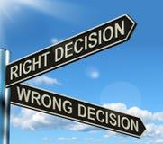 Η σωστή ή λανθασμένη απόφαση καθοδηγεί Στοκ εικόνα με δικαίωμα ελεύθερης χρήσης