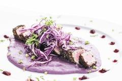 Η σύγχρονη κουζίνα τροφίμων τήξης γαστρονομική το ιχθυάλευρο τόνου Στοκ Φωτογραφία