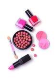 Η σύνθεση των καλλυντικών με τις στιλβωτικές ουσίες καρφιών, κοκκινίζει, κραγιόν και applicator Στοκ Εικόνες