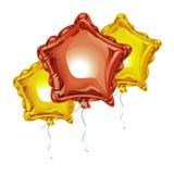 Η σύνθεση των ρεαλιστικών τρισδιάστατων μπαλονιών φύλλων αλουμινίου με μορφή ενός αστεριού με απεικονίζει απομονωμένος στο άσπρο  ελεύθερη απεικόνιση δικαιώματος