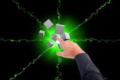 Η σύνθετη εικόνα του επιχειρηματία που δείχνει κυβίζει ψηφιακά με το δάχτυλό του Στοκ φωτογραφία με δικαίωμα ελεύθερης χρήσης