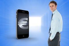 Η σύνθετη εικόνα του ευτυχούς επιχειρηματία που στέκεται με παραδίδει την τσέπη Στοκ εικόνες με δικαίωμα ελεύθερης χρήσης
