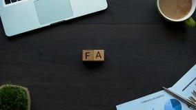 Η σύντμηση FAQ φιαγμένη από κύβους, υπέβαλε συχνά τις ερωτήσεις, σε απευθείας σύνδεση φόρουμ απόθεμα βίντεο