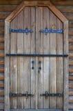 Η σύσταση μιας παλαιάς ξύλινης πόρτας από τη 16η και 17η CEN Στοκ φωτογραφία με δικαίωμα ελεύθερης χρήσης
