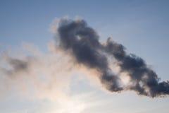 Η σύσταση του καπνού στο υπόβαθρο ουρανού Στοκ Εικόνα