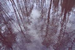 Η σύσταση του νερού με τις αντανακλάσεις στοκ εικόνα
