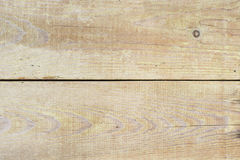 Η σύσταση του τοίχου φιαγμένου από ξύλινες σανίδες τοποθετημένες οριζόντια, η επιφάνεια του ξύλου είναι κακώς αντιμετωπισμένη, πο στοκ φωτογραφίες με δικαίωμα ελεύθερης χρήσης