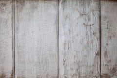 Η σύσταση υποβάθρου της παλαιάς άσπρης χρωματισμένης ξύλινης επένδυσης επιβιβάζεται στον τοίχο στοκ εικόνα με δικαίωμα ελεύθερης χρήσης