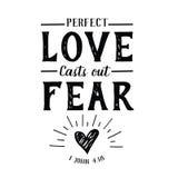 Η τέλεια αγάπη πετά έξω το έμβλημα φόβου απεικόνιση αποθεμάτων