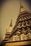 Η Ταϊλάνδη καλλιτεχνική του ναού Ναός Arunwanaram, Μπανγκόκ, Ταϊλάνδη Ημερομηνία: 10/21/2014 στοκ φωτογραφία με δικαίωμα ελεύθερης χρήσης