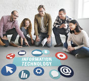 Η τεχνολογία πληροφοριών συνδέει on-line την έννοια δικτύων στοκ φωτογραφίες με δικαίωμα ελεύθερης χρήσης