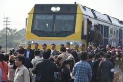 Η τελετή μεταφοράς της diesel-ηλεκτρικής ατμομηχανής για να δηλώσει το σιδηρόδρομο της Ταϊλάνδης Στοκ φωτογραφία με δικαίωμα ελεύθερης χρήσης