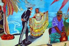 Η τοιχογραφία λέει την ιστορία των ανθρώπων μεξικανών Αμερικανοί Στοκ Εικόνες