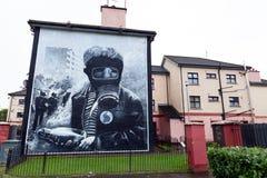Η τοιχογραφία βομβαρδιστικών αεροπλάνων βενζίνης σε Derry στοκ φωτογραφία