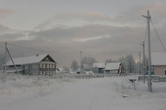 Η του χωριού οδός Βόρειο χωριό Στοκ φωτογραφία με δικαίωμα ελεύθερης χρήσης