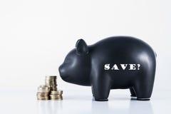 Η τράπεζα Piggy σώζει; Στοκ εικόνα με δικαίωμα ελεύθερης χρήσης