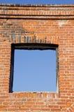 η τρύπα καταστρέφει τα Windows τοί Στοκ φωτογραφία με δικαίωμα ελεύθερης χρήσης