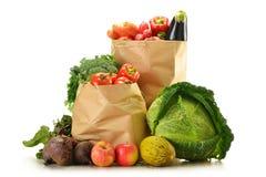 η τσάντα απομόνωσε το ακατέργαστο λευκό λαχανικών αγορών Στοκ Εικόνα