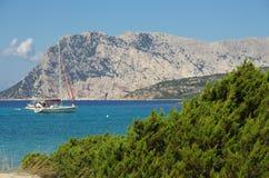 Η τυρκουάζ θάλασσα της Σαρδηνίας Στοκ Εικόνες