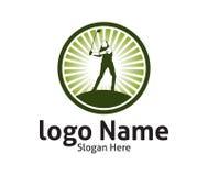 η υπαίθρια έμπνευση σχεδίου αθλητικών διανυσματική λογότυπων γκολφ, ένας φορέας χτυπά τη σφαίρα με ένα ραβδί ταλάντευσης στοκ φωτογραφία με δικαίωμα ελεύθερης χρήσης