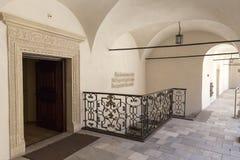 14η υπεράσπιση Castle Pieskowa Skala αιώνα, arcade προαύλιο, κοντά στην Κρακοβία, Πολωνία Στοκ φωτογραφία με δικαίωμα ελεύθερης χρήσης