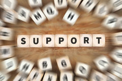 Η υπηρεσία βοήθειας υποστήριξης χωρίζει σε τετράγωνα την επιχειρησιακή έννοια Στοκ Φωτογραφίες