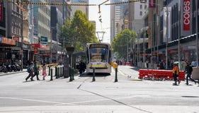 Η υπηρεσία τραμ κύκλων πόλεων της Μελβούρνης αναπτύσσει δραστηριότητες στο κεντρικό β στοκ εικόνα με δικαίωμα ελεύθερης χρήσης