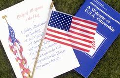 Η υποχρέωση της υποταγής με τη αμερικανική σημαία, Λος Άντζελες, Καλιφόρνια στοκ εικόνα