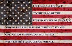 Η υποχρέωση της υποταγής στην ξεπερασμένη σημαία στοκ εικόνες