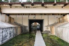 Η υπόγεια διάβαση μέσω του σιδηροδρόμου Στοκ εικόνες με δικαίωμα ελεύθερης χρήσης