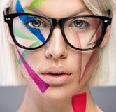 Η υψηλή μόδα κοιτάζει με τα γυαλιά Στοκ φωτογραφία με δικαίωμα ελεύθερης χρήσης