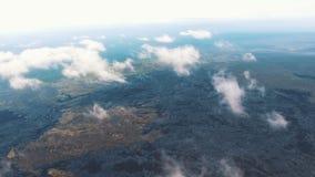 Η υψηλότερη πτήση στο copter Η υψηλότερη πτήση πέρα από το έδαφος επάνω από τα σύννεφα απόθεμα βίντεο