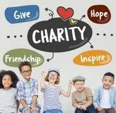 Η φιλανθρωπία δίνει στην προσοχή βοήθειας την εθελοντική έννοια υποστήριξης στοκ φωτογραφία
