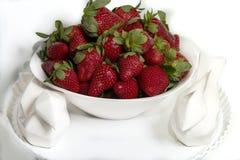η φράουλα κήπων είναι ένα ευρέως αυξημένο υβριδικό είδος του γένους Fragaria, συλλογικά γνωστό ως φράουλες στοκ φωτογραφίες με δικαίωμα ελεύθερης χρήσης