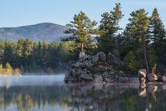 Η φυσική ομορφιά των δύσκολων βουνών του Κολοράντο Λίμνη Apache s Στοκ Φωτογραφία