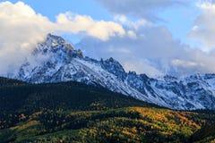 Η φυσική ομορφιά φθινοπώρου των δύσκολων βουνών του Κολοράντο Στοκ Εικόνες