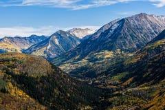 Η φυσική ομορφιά φθινοπώρου των δύσκολων βουνών του Κολοράντο Στοκ εικόνα με δικαίωμα ελεύθερης χρήσης