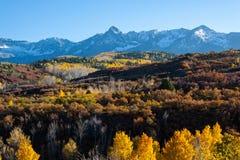 Η φυσική ομορφιά φθινοπώρου των δύσκολων βουνών του Κολοράντο Στοκ εικόνες με δικαίωμα ελεύθερης χρήσης