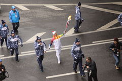 Η φυλή εάν η φλόγα Olimpic στη Μόσχα στοκ εικόνες